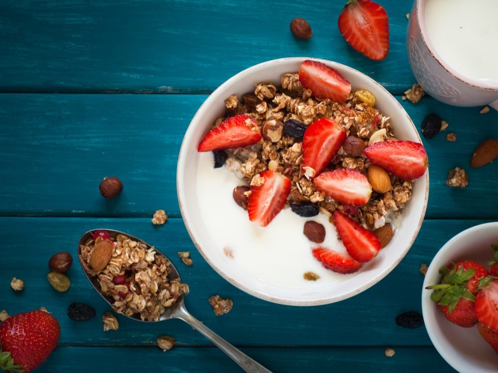 Make a yogurt mix every Wednesday for breakfast to increase your dietary fibre
