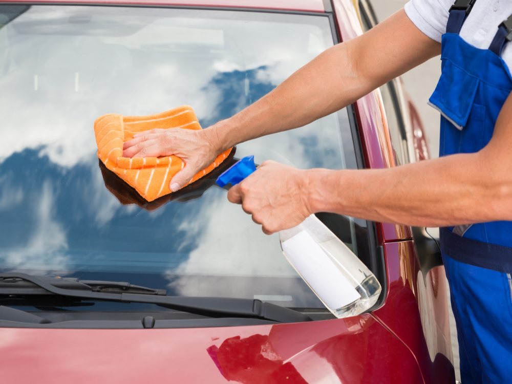 Ways to Remove Bugs and Bumper Stickers on Cars