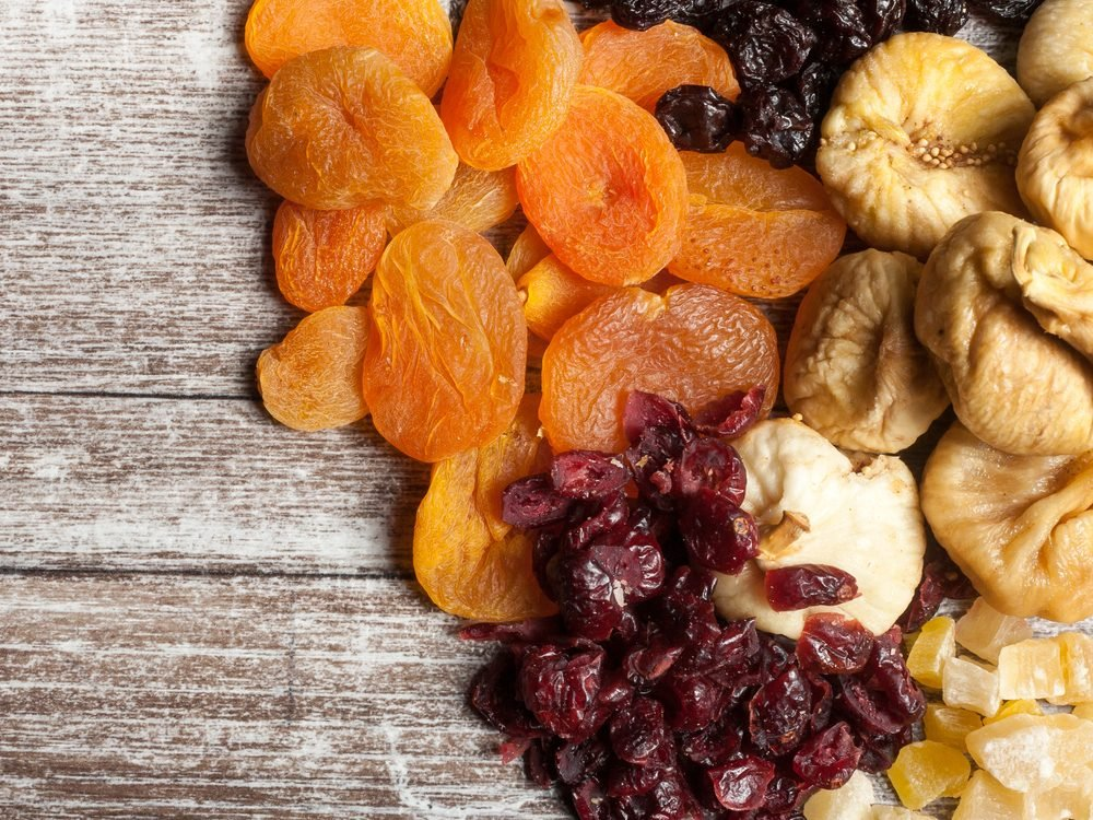Snack on dried fruit every day to increase your dietary fibre