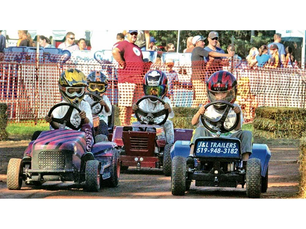 Motor cart race