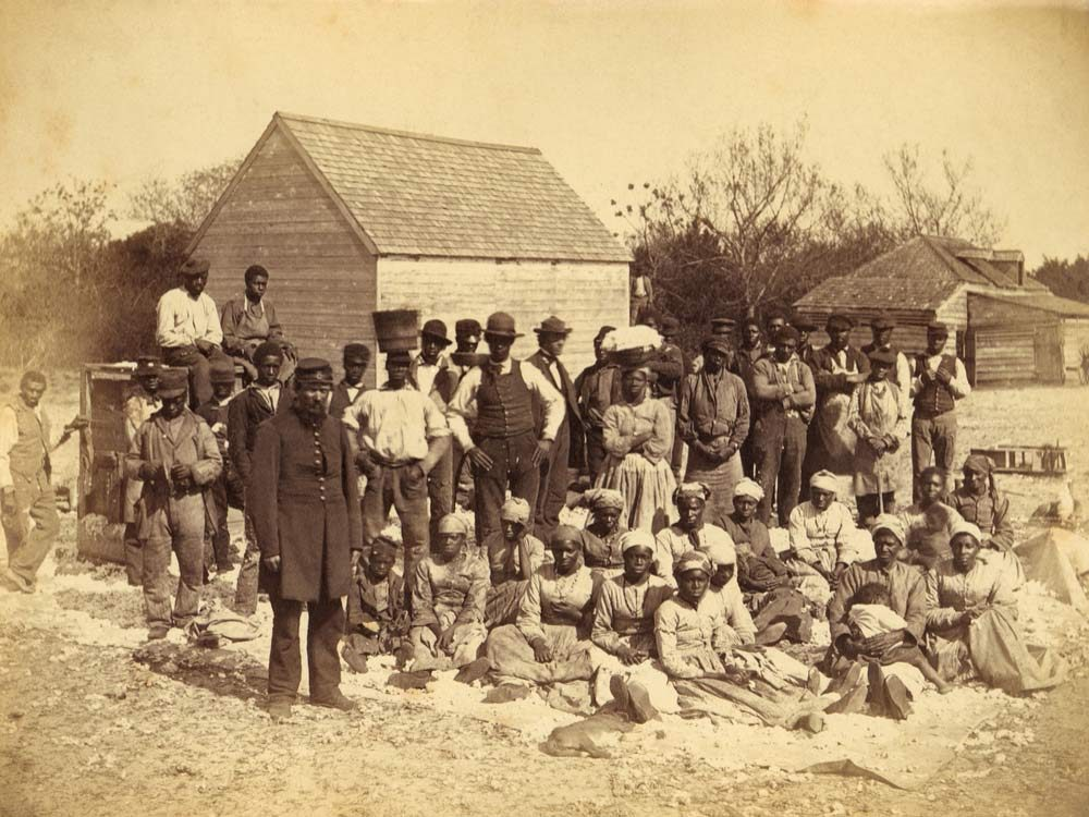 African American slaves with Union soldiers