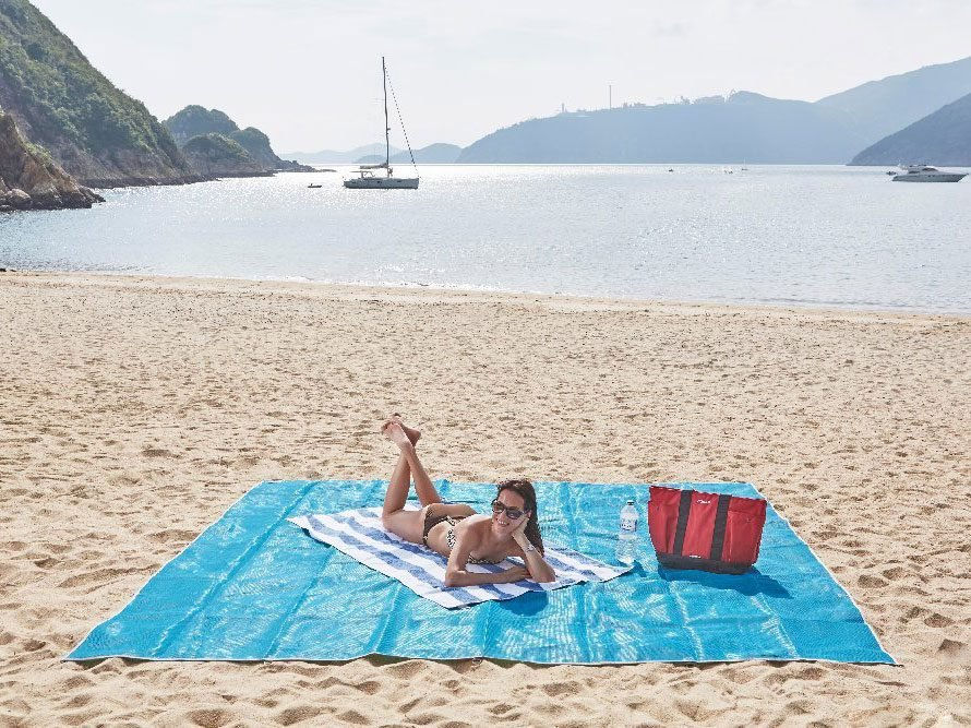Best Travel Accessories: beach mat