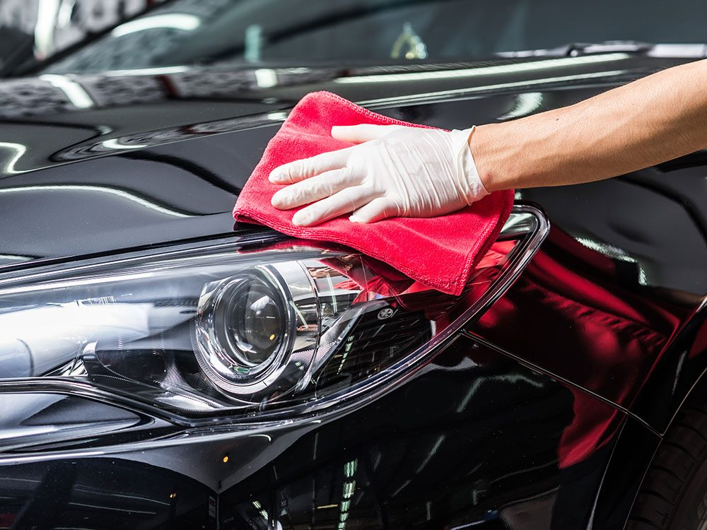 How to Clean Your Car Like a Pro: 7 Essential Car Cleaning Accessories