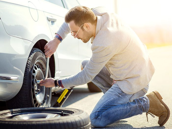 Step by step instructions on how to change a tire