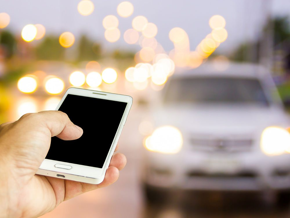 New car features: Mobile apps