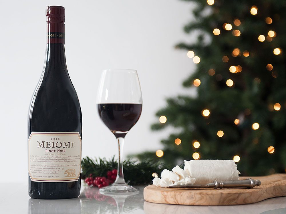 How to pair Meiomi pinot noir with cheese