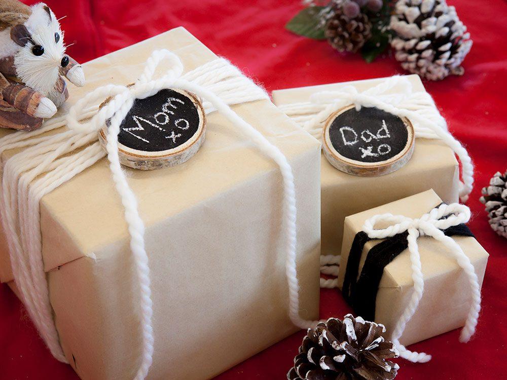 Holiday diy leigh ann allaire perraults easy chalkboard gift tags diy chalkboard gift tags solutioingenieria Choice Image
