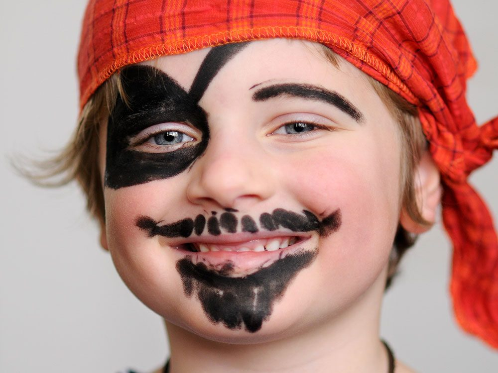 Halloween Face Painting Designs 6 Easy Ideas Reader S Digest