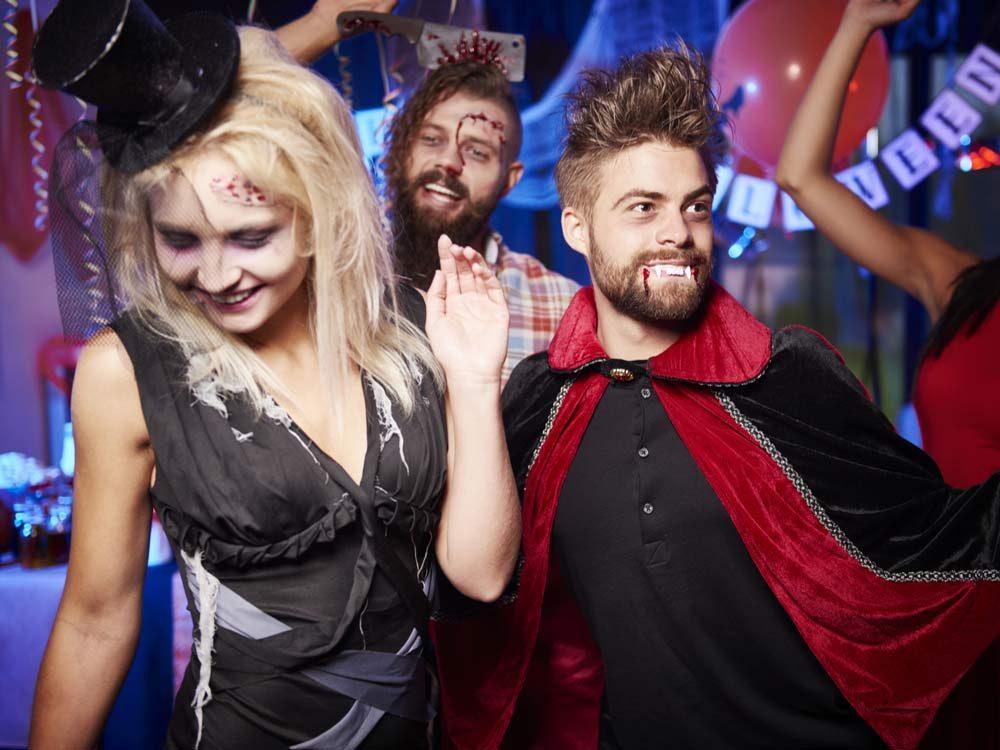 punny-halloween-costume-ideas