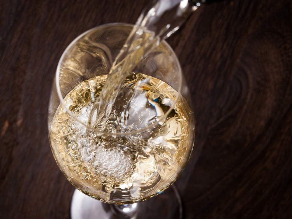 how-to-chill-white-wine-fast