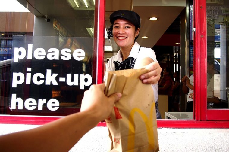 01_Drive-Thru-Workers-Spill-the-Craziest-Things-They've-Seen-at-Work_713413618_junpinzon-760x506