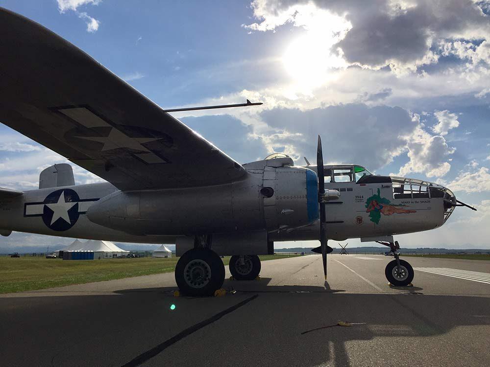 B25 airplane