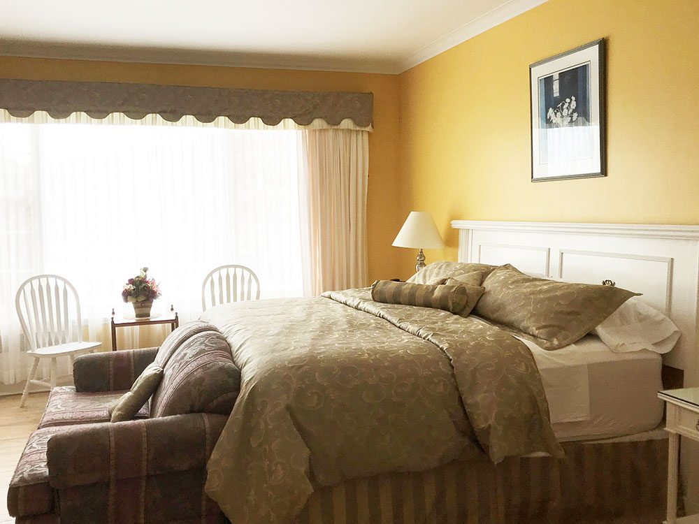 Royal hotels in Canada: Strawberry Hill Resort