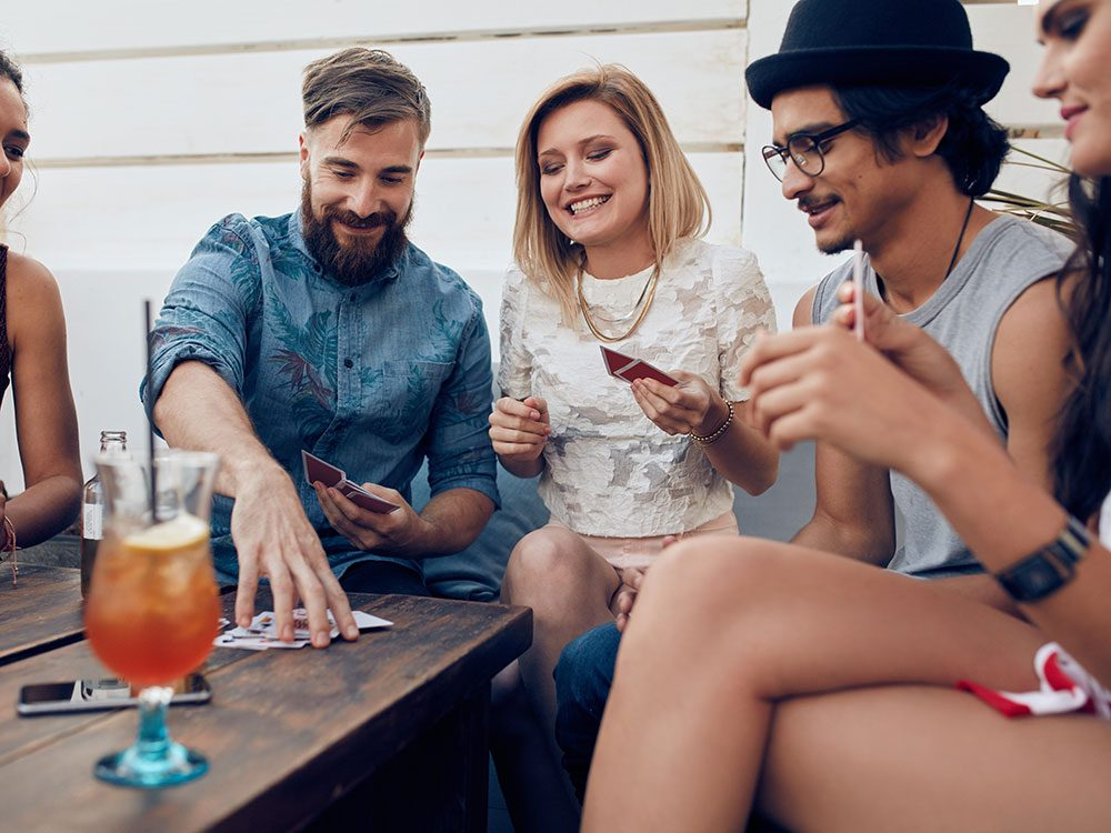 Lose weight without exercise: Hang out with friends of all sizes