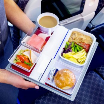 13 Things You Should Never Eat on an Airplane