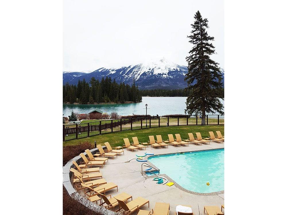 Fairmont Jasper Park Lodge pool