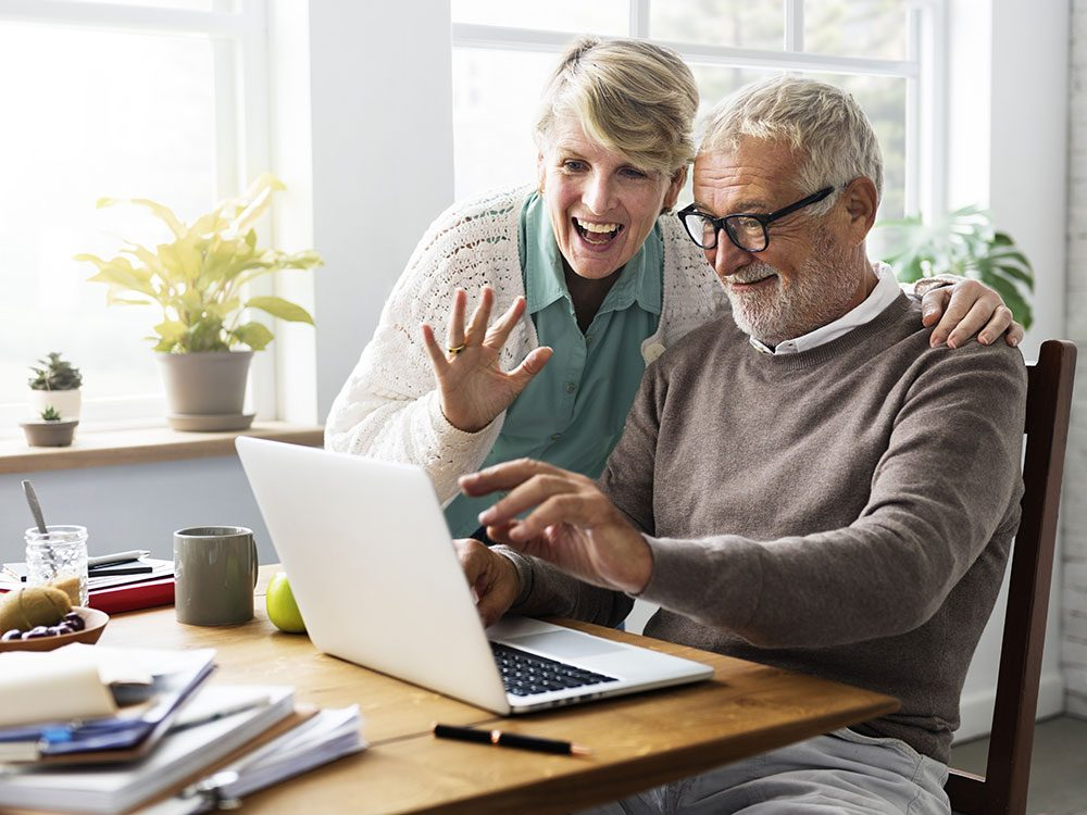 Family caregivers should keep seniors connected
