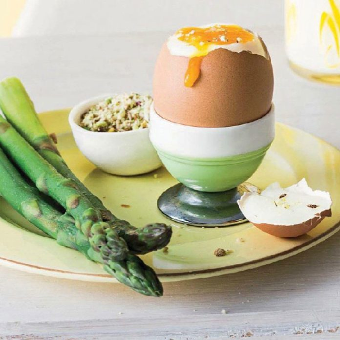 Boiled Eggs with Dukkah and Asparagus Soldiers