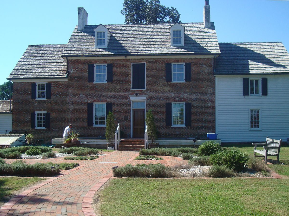 Haunted house mysteries - Ferry Plantation House, Virginia Beach, Virginia