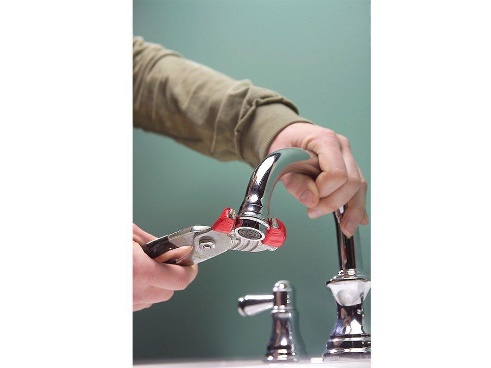 Unclog faucet