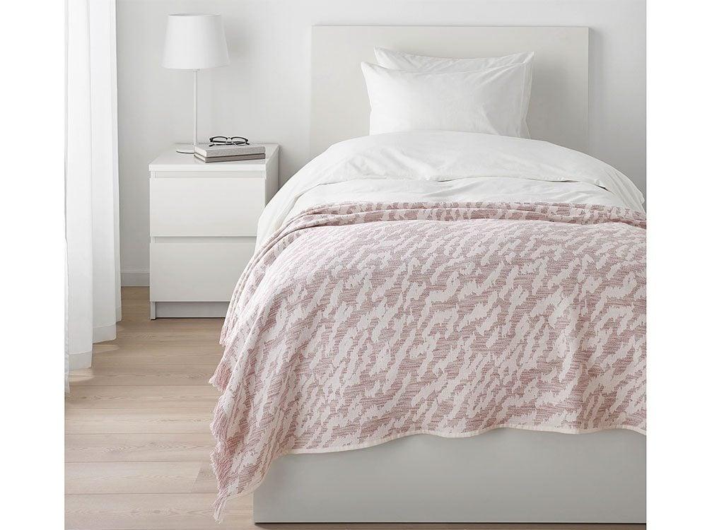 New IKEA catalogue: Kapaster throw