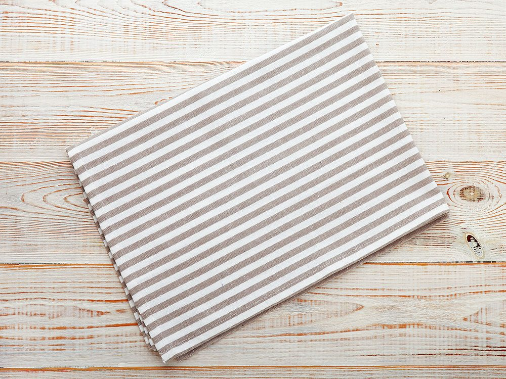 Turn a pillowcase into napkins