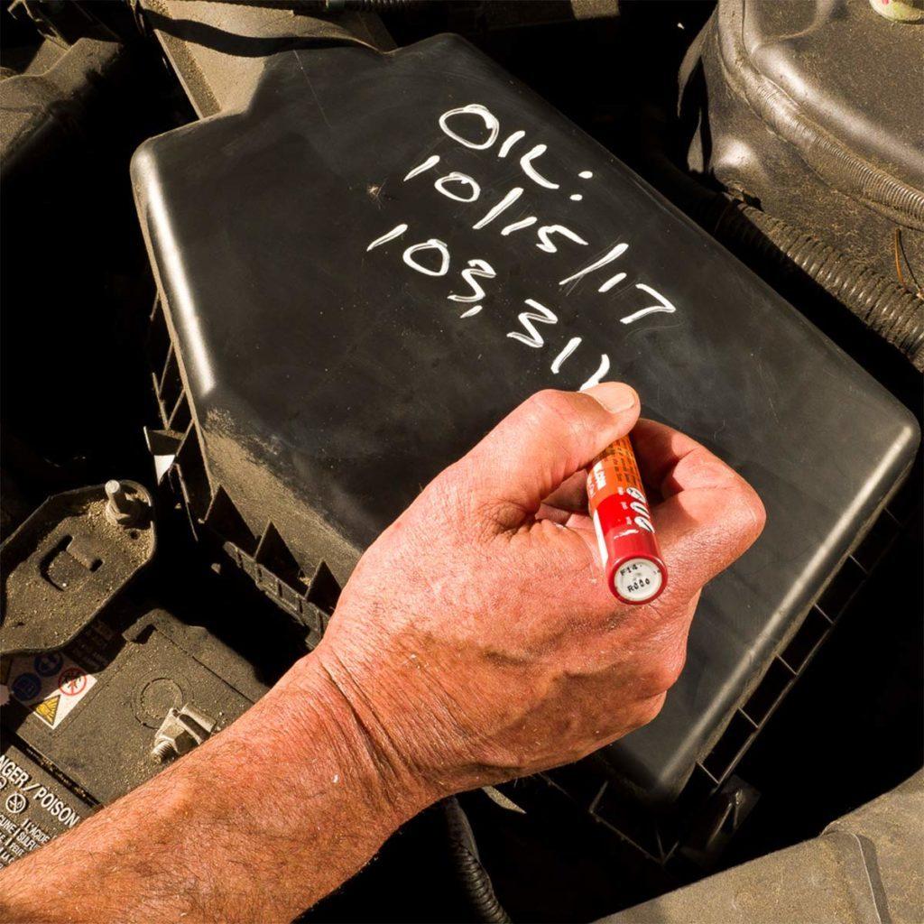 Chalk marker for car maintenance
