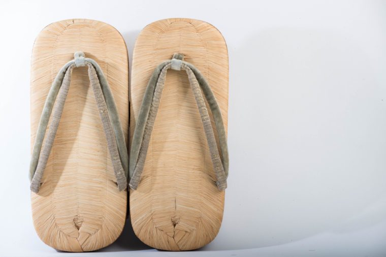 Wood slippers