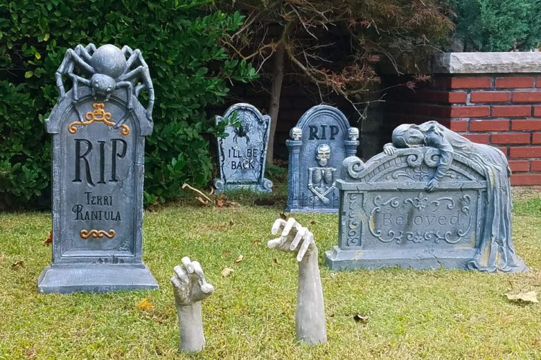 Halloween headstone decorations