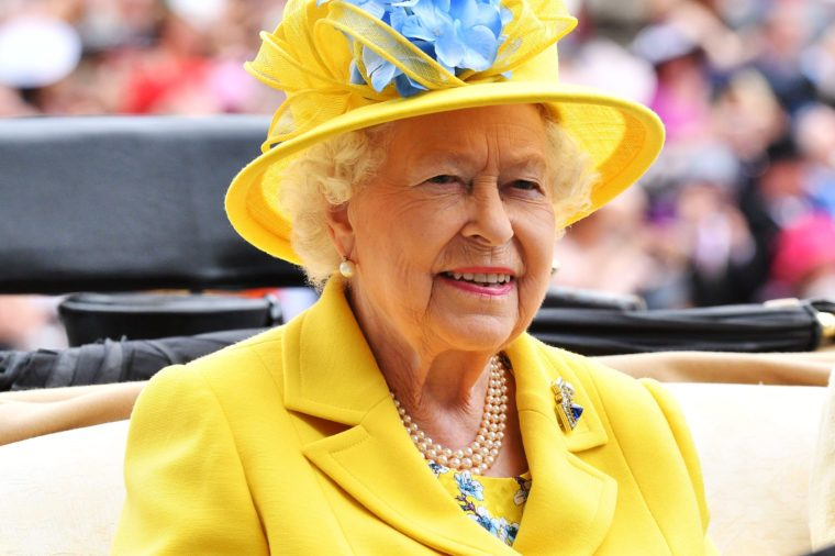 The Queen won't abdicate because of anti-monarchy sentiment
