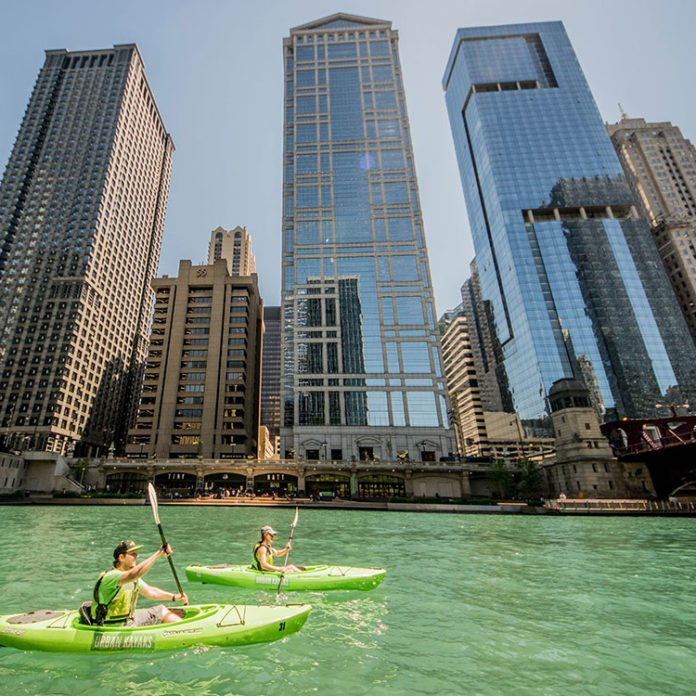 The Ultimate Chicago Bucket List: 10 Amazing Things to Do in the Windy City