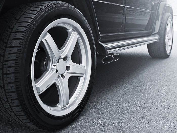 Use cooking spray on car wheels