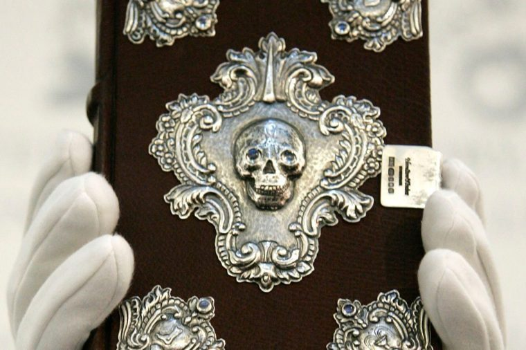 manuscript 'The Tales of Beedle the Bard'