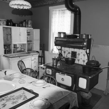 This is How We Used the Kitchen Stove in the Great Depression