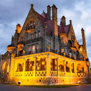 Most haunted places in Canada - Craigdarroch Castle, Victoria