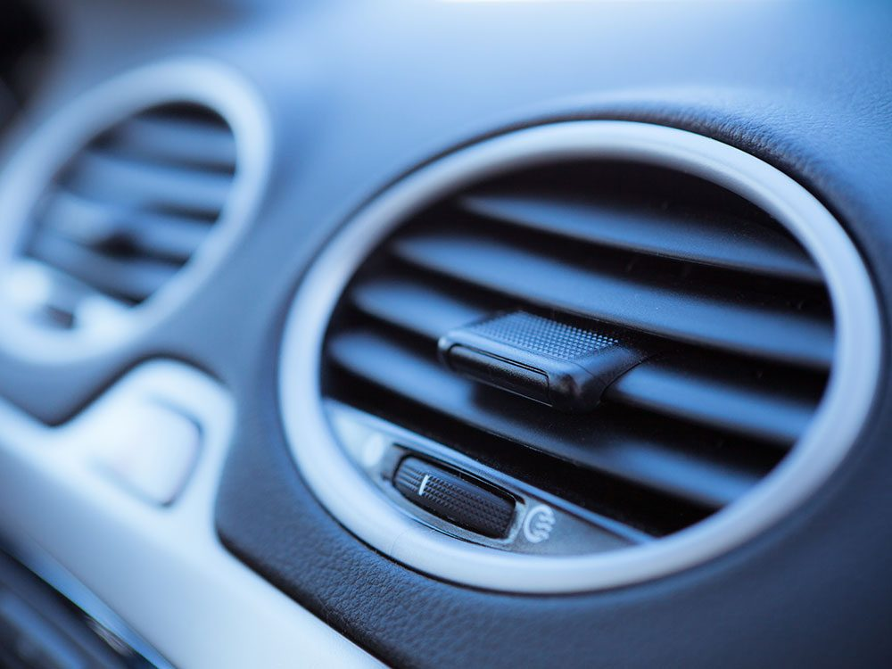 Car maintenance services: Cabin air filter replacement