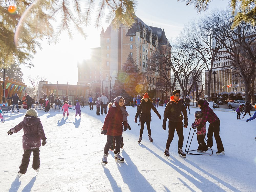 Snow On Christmas.The 20 Best Places To Spend Christmas In Canada