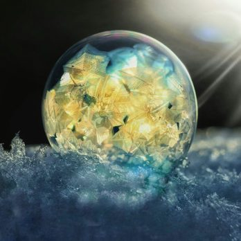 These Magical Photos of Frozen Bubbles Will Take Your Breath Away