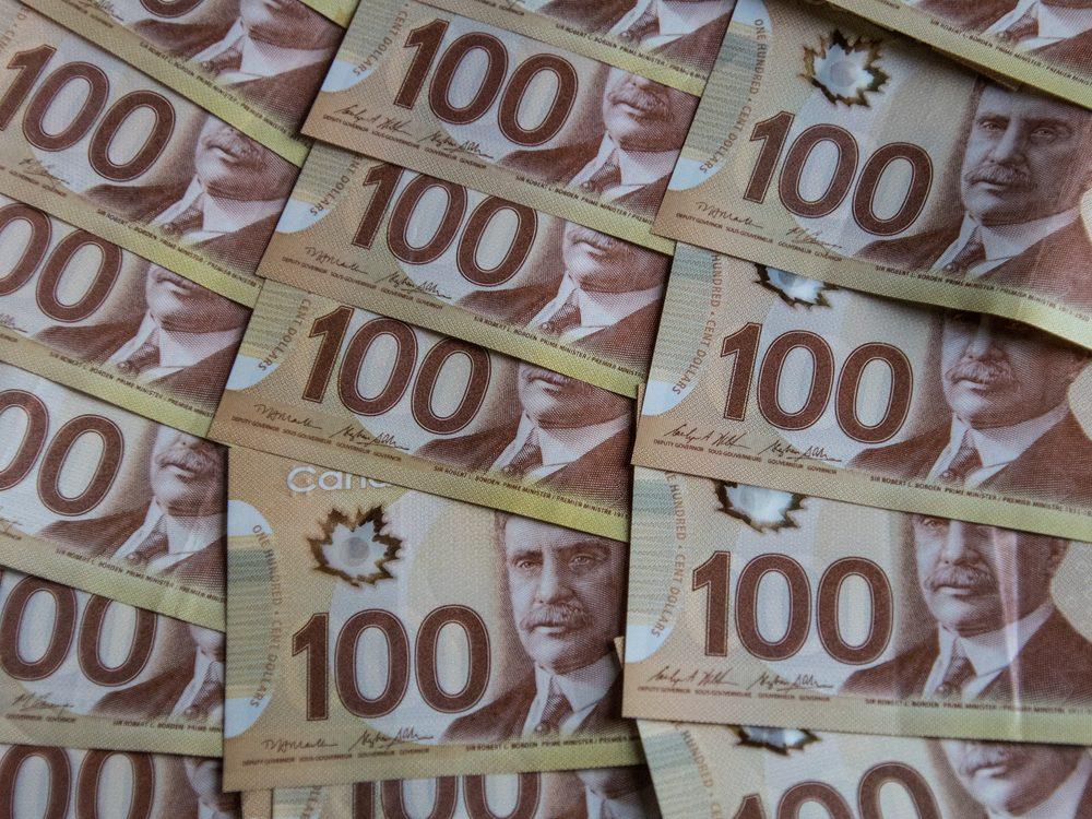 Canadian $100 bills