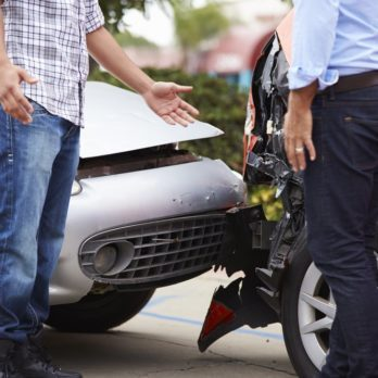 15 Things You Should Do Within 10 Minutes of Having a Car Accident