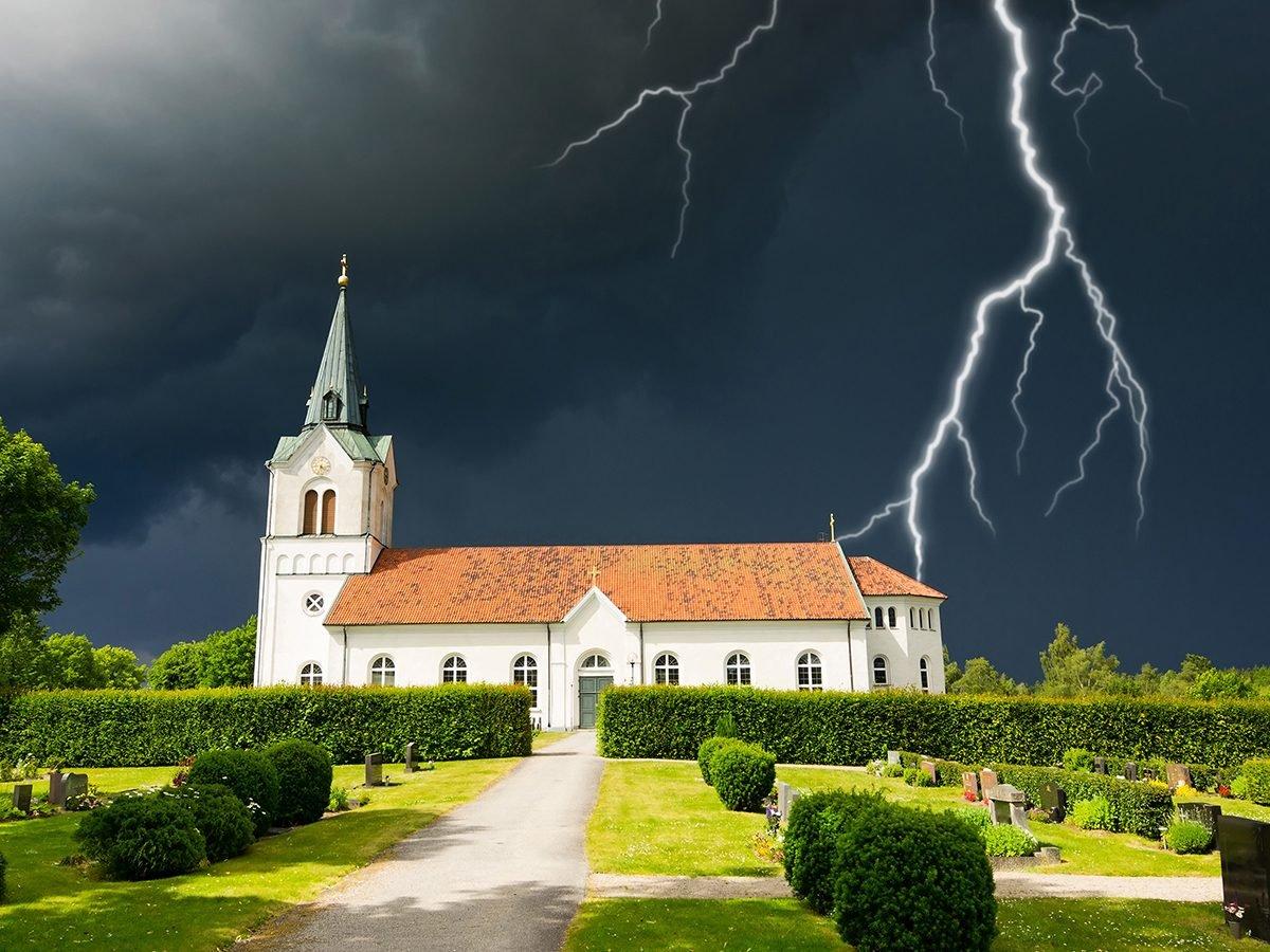 Best jokes of all time - lightning strike church