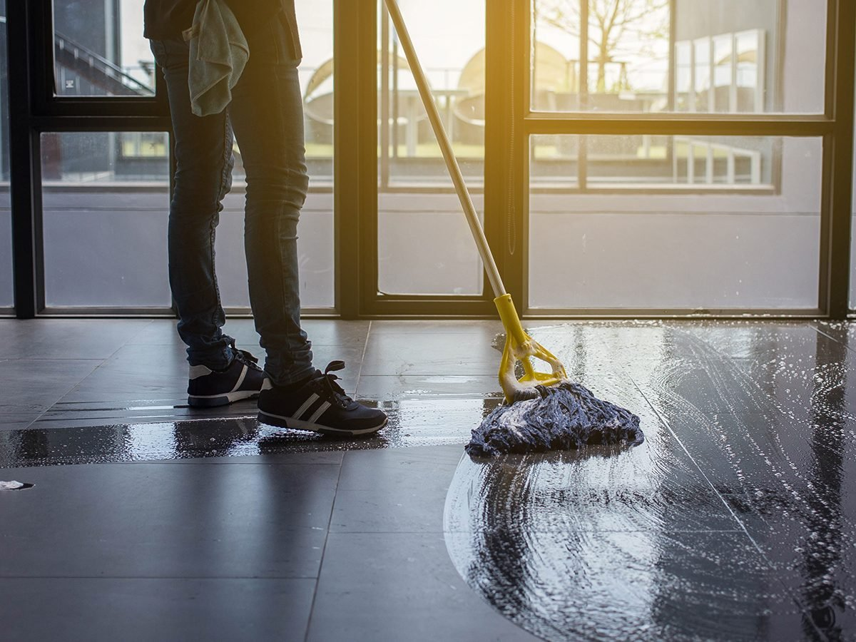 Best jokes of all time - mopping the floor
