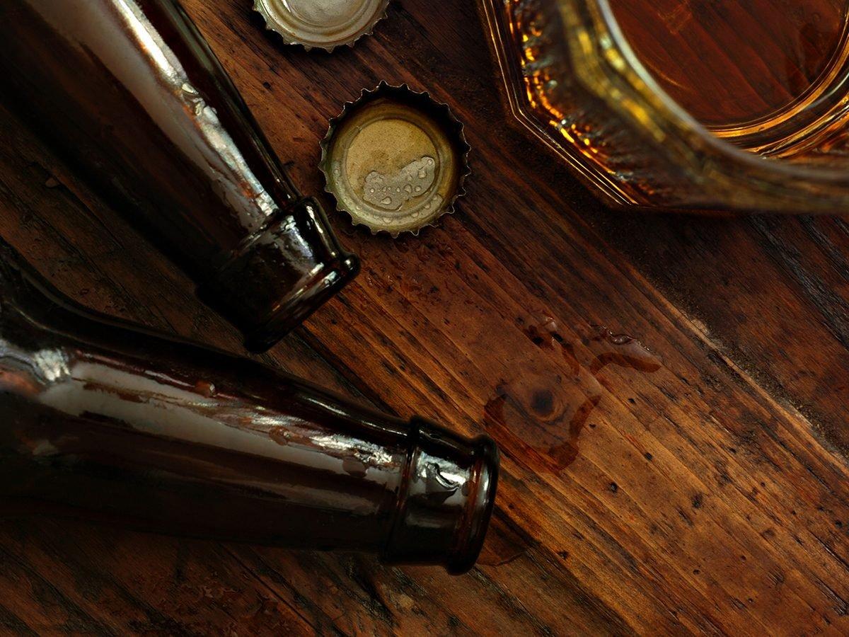 Best Reader's Digest jokes of all time - beer bottles on bar