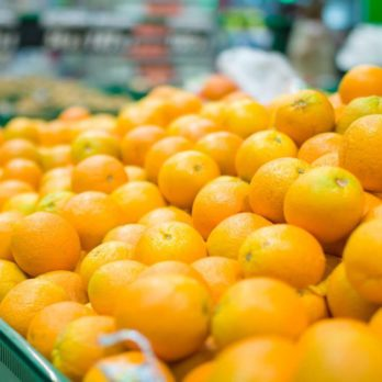The Juicy Secret to Choosing Ripe Oranges