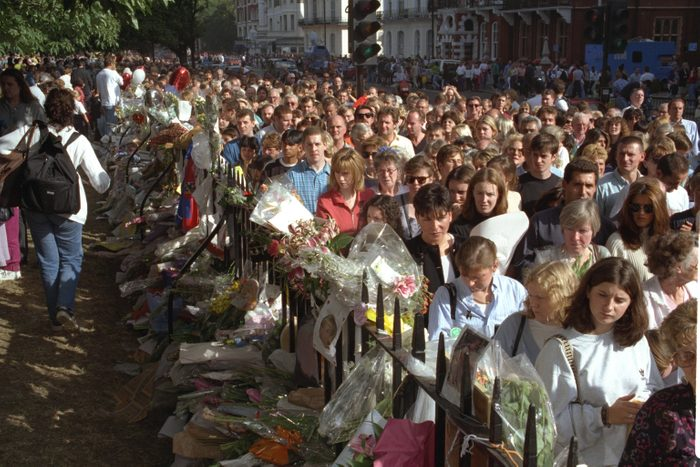 Crowds At Kensington Palace On Day Of Funeral For Diana Princess Of Wales 1997.