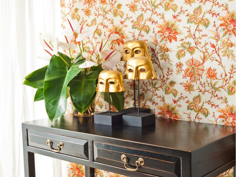 Wallpaper in modern living room