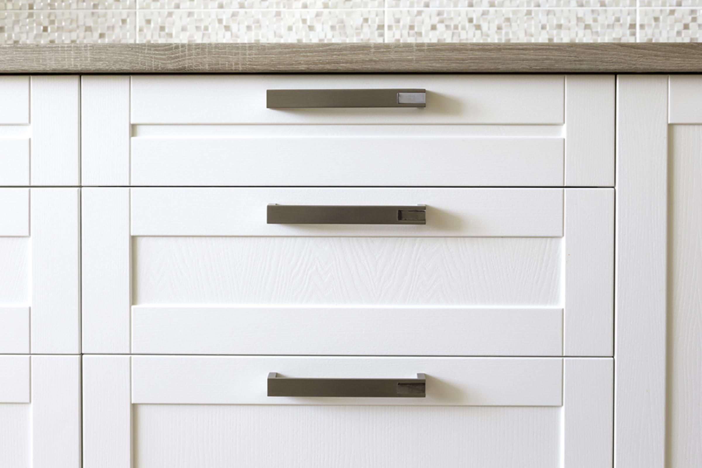kitchen cabinets white handles
