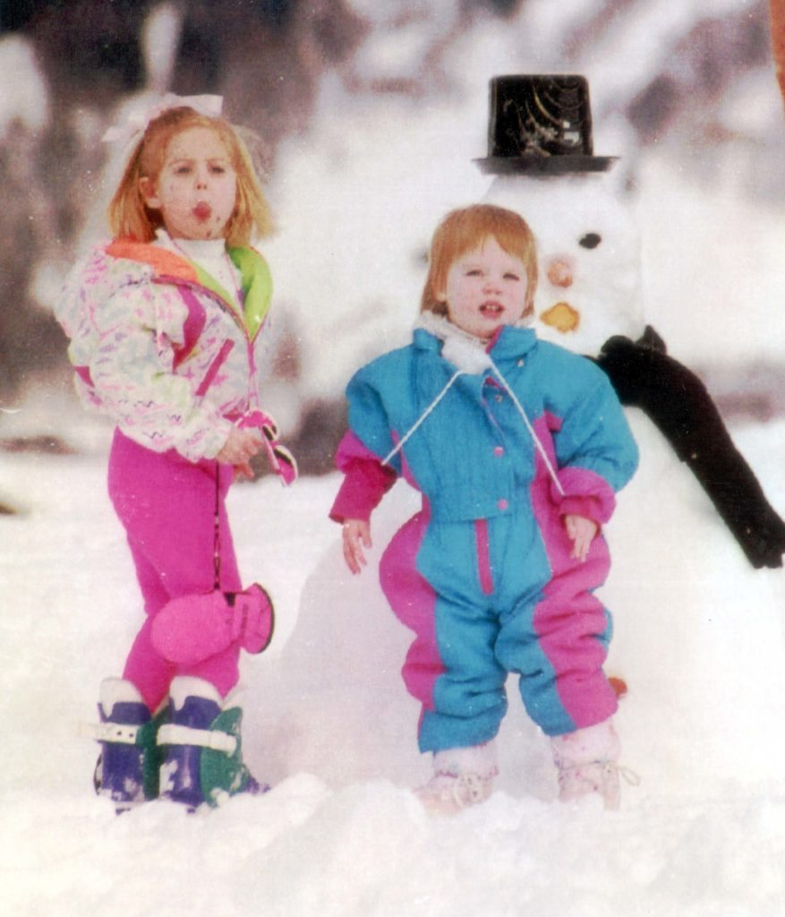 Princess Beatrice Pokes Her Tongue Out At Photographers While Playing With Her Sister Princess Eugenie In Klosters. Lp3d Princess Beatrice - Winter Sports