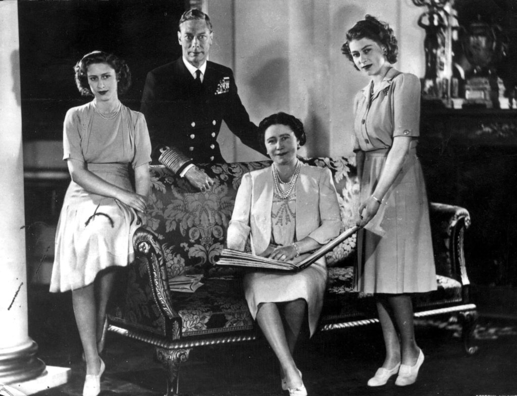 VARIOUS KING GEORGE VI QUEEN ELIZABETH PRINCESS MARGARET PRINCESS ELIZABETH JANUARY 1947