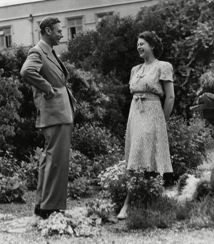 Historical Collection 174 King George Vi (1896 - 1952) Shares A Joke with His Elder Daughter Princess Elizabeth (queen Elizabeth Ii) 1946